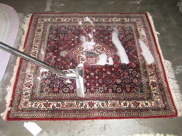 قالیشویی در احمد آباد