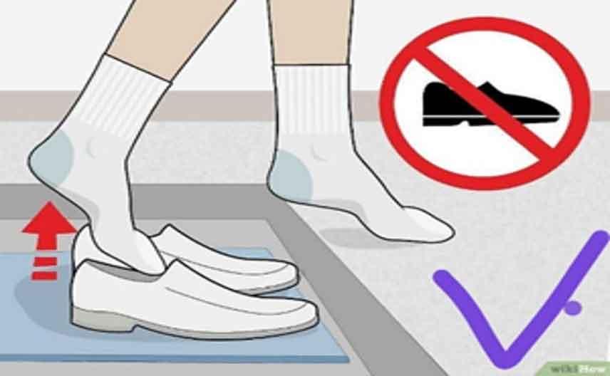 توصیه می شود فرش هایی که در مناطق پر رفت و آمد قرار دارند دو بار در سال شامپو شوند